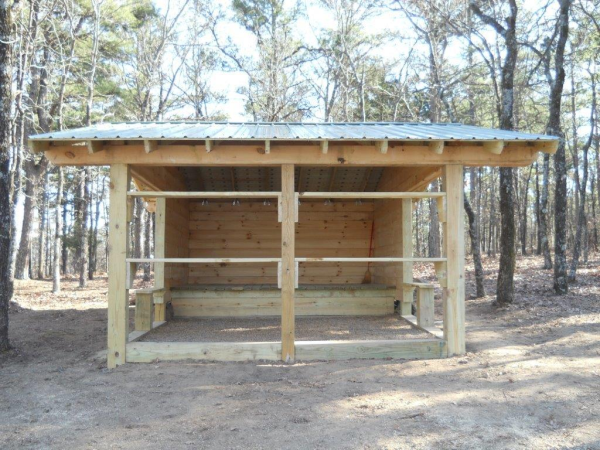 log trail shelter