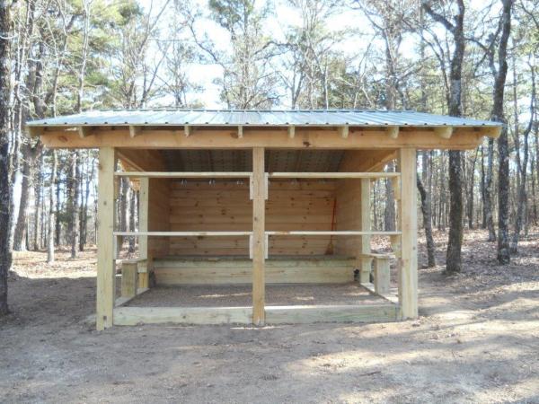 log trail shelter