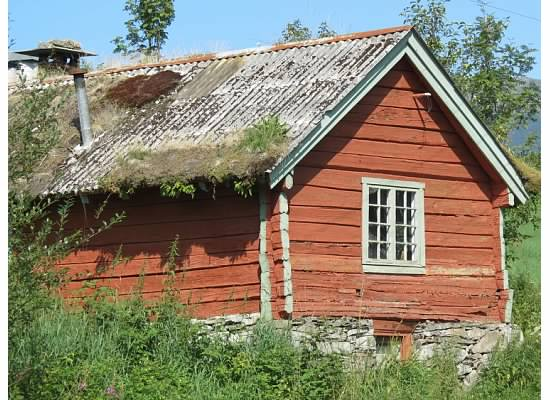 Norway_old_log_home