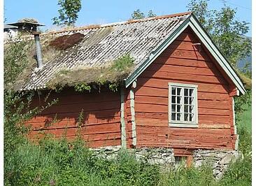 Norway_old_log_home